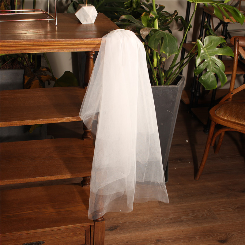 Classic Bachelorette Party Two Layer Western Style Wedding Short Veil