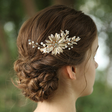 Pretty Vintage Bridal Hair Barrettes Jewelry Flowers Rhinestone Hair Clips