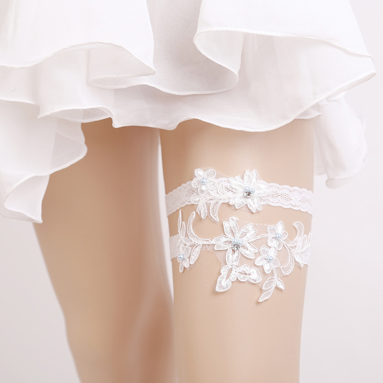 2020 New Design Sexy White Lace Floral Pearl Rhinestone Bridal Garter Set